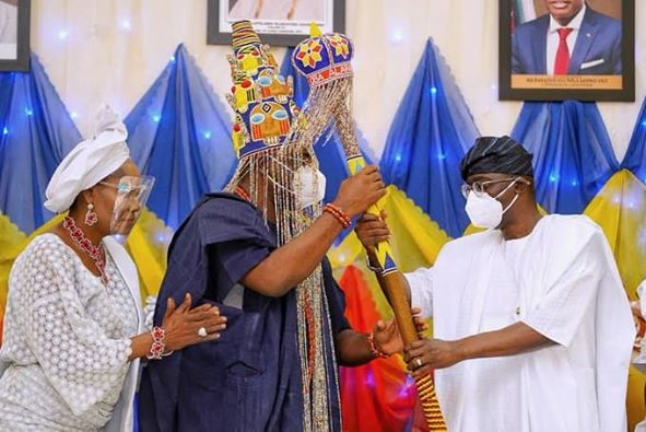 SANWO-OLU PRESENTS STAFF OF OFFICE TO ALARA OF ILARA